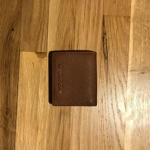 Michael Kors authentic light brown leather wallet